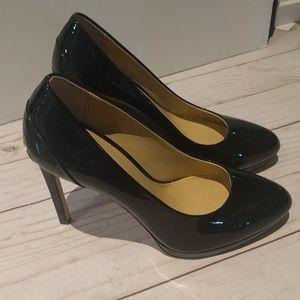 👠🌹🌸Black heels by Michael Kors 🌸🌺🍀